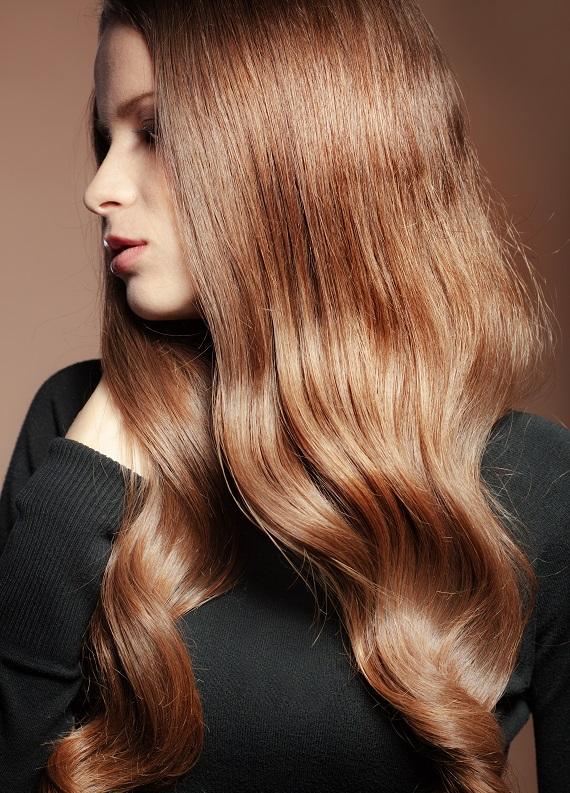 Mat görünen saçlarını süper bir parlaklığa kavuşturmanın yolu