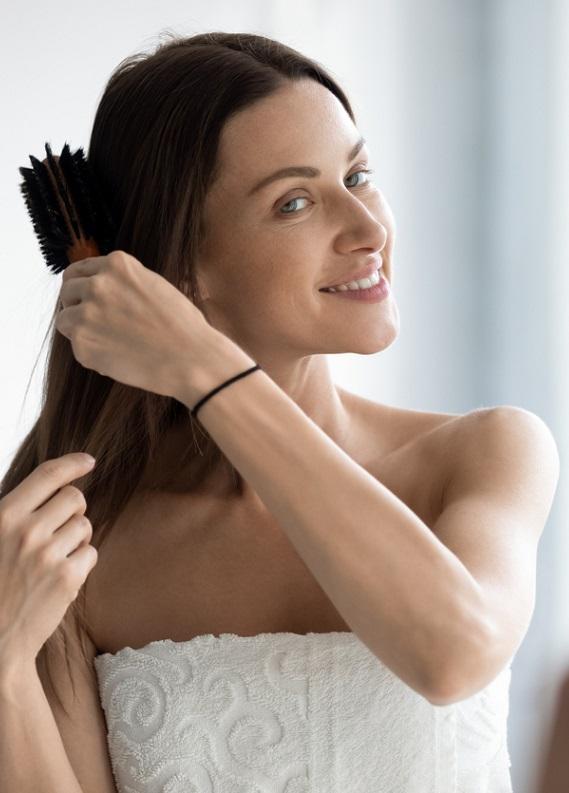 Evde saç dökülmesine karşı bakım yapmak isteyenler buraya! Size özel önerilerimiz var!