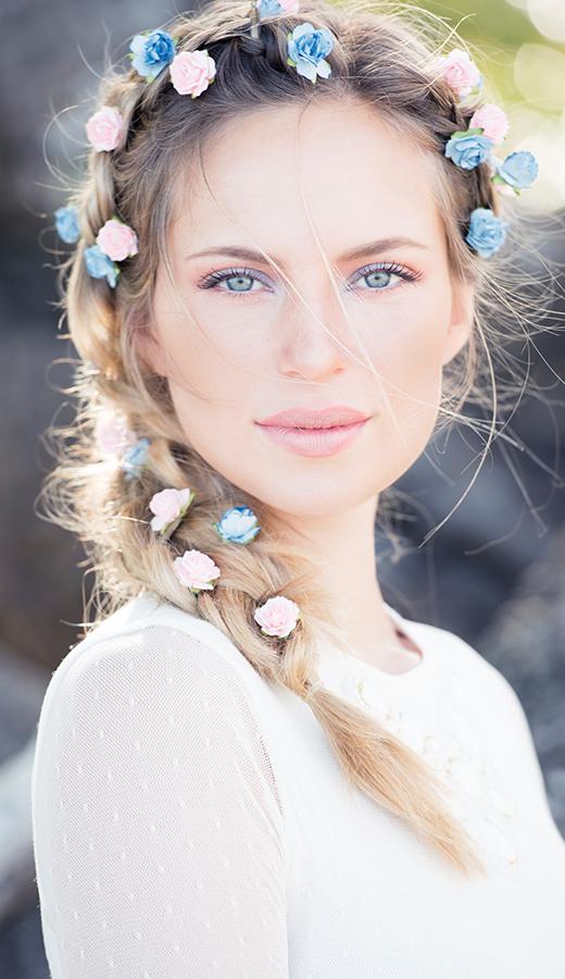 Saçlarında çiçekler açsın: Çiçekli aksesuarları nasıl kullanmalı?