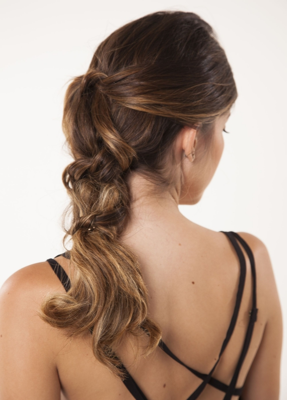 Çok yönlü saç stili: Boğumlu atkuyruğu