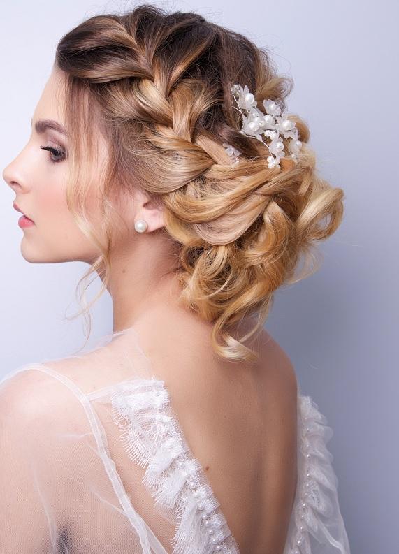 Düğün gününde saçlarının bozulmaması için ne yapmalısın?