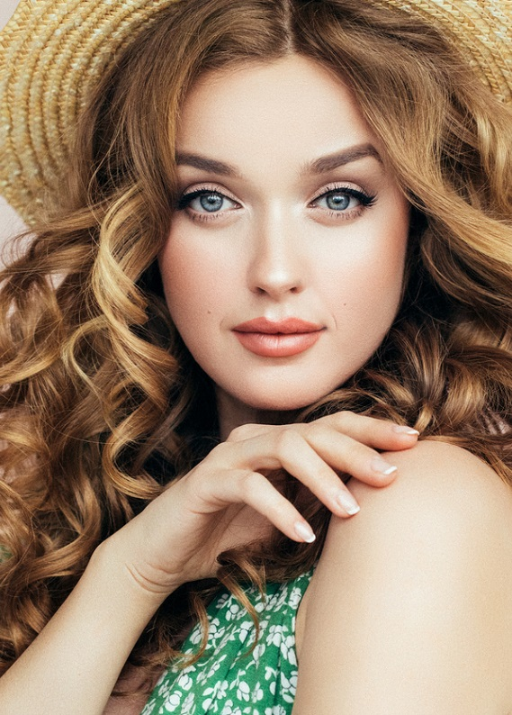 Yazın saçlarını kolayca şekillendirmeni sağlayacak 3 pratik ürün