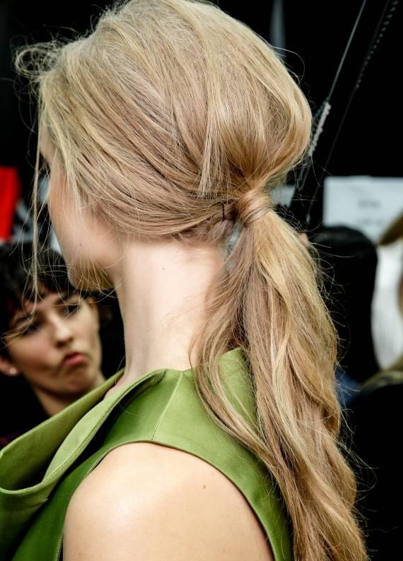 Kolay saç stil rehberi: Retro atkuyruğu