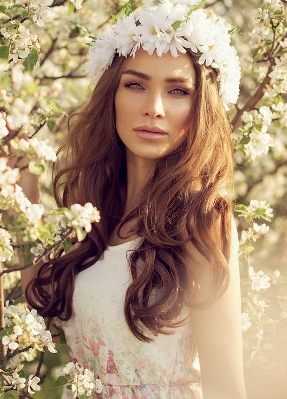 Bahar ve yaz düğünlerine uygun 5 saç modeli