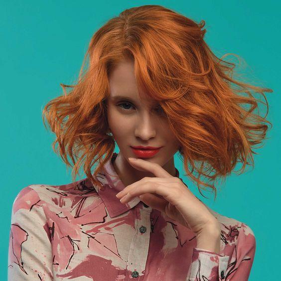 Cadılar Bayramı partisi için çekici saç rengi kızıla ne dersin?