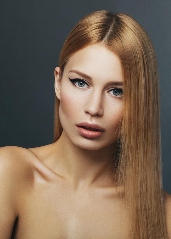 Kusursuz, dümdüz saçların dönüşü: Düz saç trendi