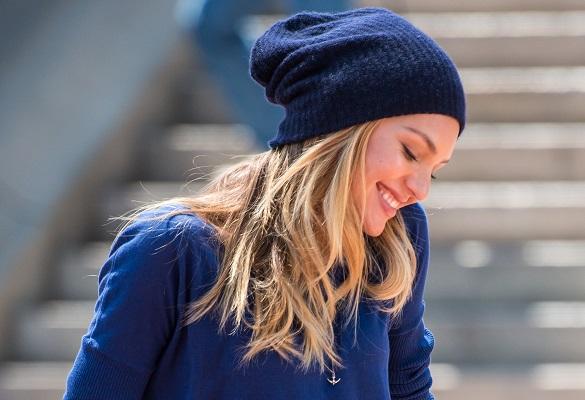 Kış hazırlıklarına başladık: Şapka dostu saç stilleri