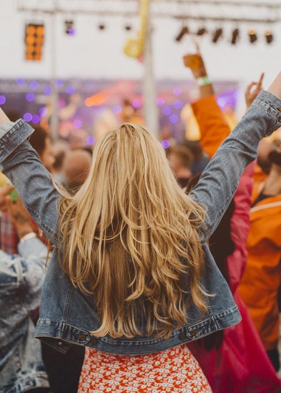 Festival saçları: Kıyafete göre festival saçı seçimi nasıl olmalı?