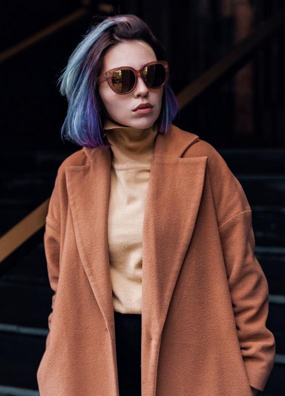 Kısa saçlar için renkli saç modelleri