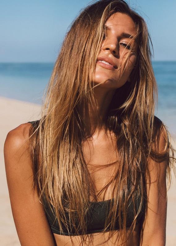 Yazın yıpratıcı etkilerinden saçlarını koruyan bakımı keşfet!