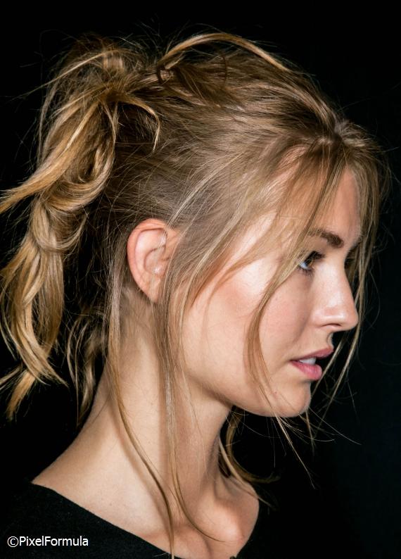 Uzun saçlılara özel yaz sıcaklarında kurtarıcı 4 hızlı saç stili önerisi