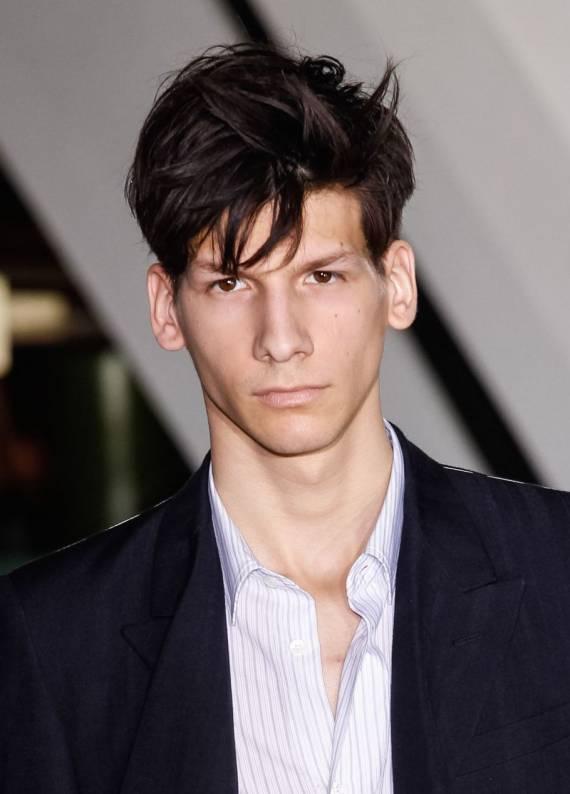 Erkek saç stillleri: Kalın telli saçlar nasıl yola getirilir?