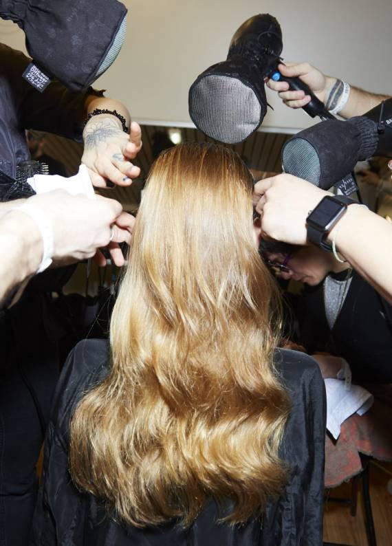 Kıvırcık saçlılara özel bakım rutini