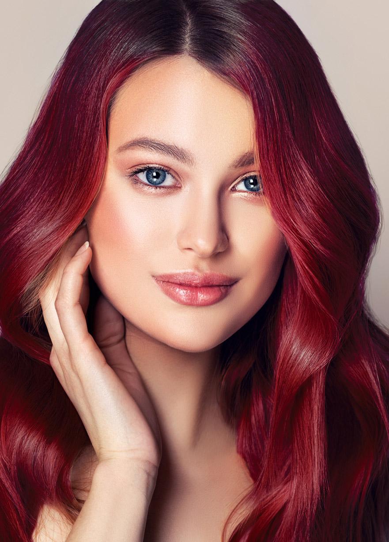 Vişne Kızılı Saç Rengi Hakkında Bilmen Gereken Her Şey!
