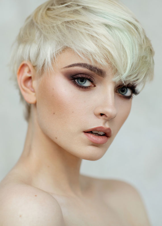 Kısa saçlara en çok yakışan saç renkleri