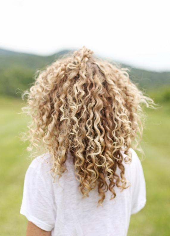 Kıvırcık saçlıların en çok yaptığı 4 hata