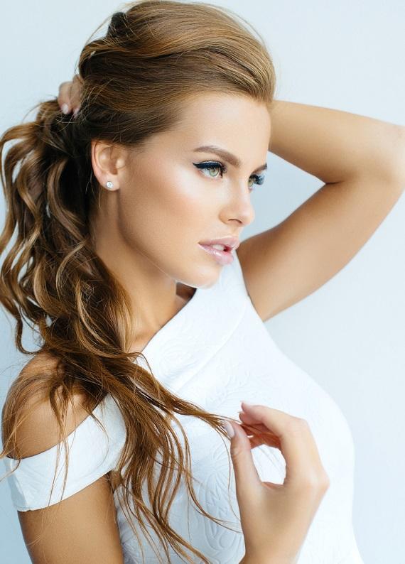 Saçlarını sürekli aynı şekilde toplayanlara özel farklı saç modelleri