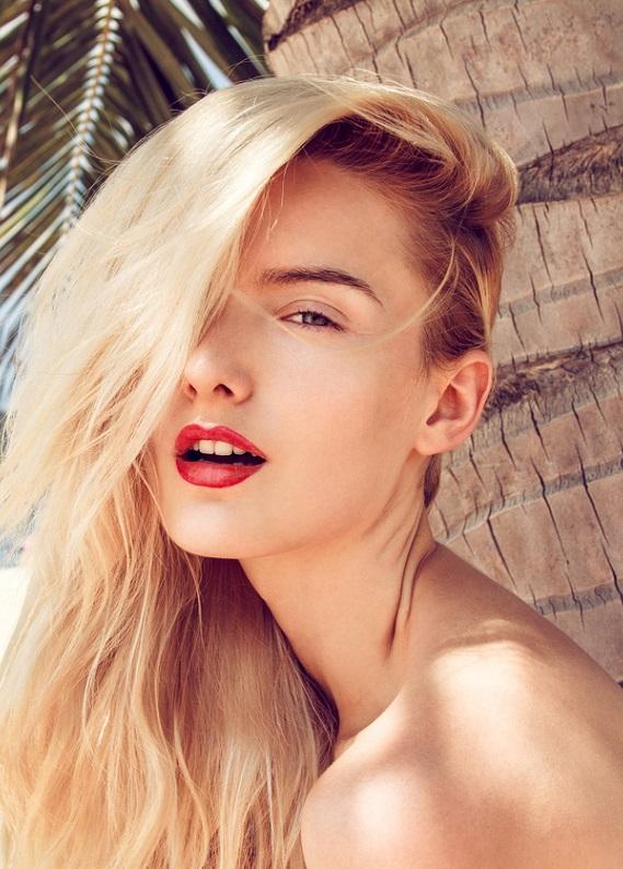 Yalnızca cildini değil, saçlarını da güneşten korumalısın!