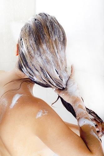 Kuru, yıpranmış saçlar için saç maskesi
