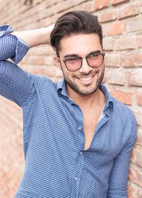 Yuvarlak Yuzlu Erkeklere Ozel 10 Sac Modeli Onerisi Sac Sirlari